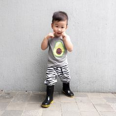 Take 20% off on our fav Avocado tee! Now till Thursday only!    FLASH SALE  #flashsale #limitedstocks 6-12 months 1-2 year 2-4 year  4-6 year  #irononmini #ootd #babyolshop #olshopjakarta #olshopbandung #olshopindo #babytshirt #olshopindo #babytee #bajubaby #kidslookbook #babytshirt #babyshop #jualbajubayi #jualbajuanak #brandrepsearch #followforfollow #babyfashion #kidsfashion #flatlay #monochrome #kidswardrobe #momandbaby #igkids #babybib #kidslookbook #twinning #momandme #toddlerfashion…
