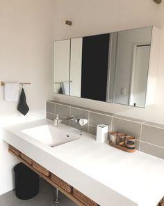 Bathroom Toilets, Washroom, Master Bathroom, Japanese Home Design, Japanese House, Lavatory Design, House Rooms, Powder Room, Ideal Home