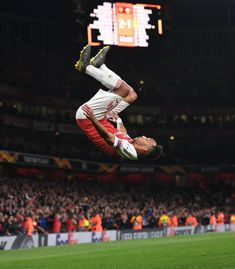 Pierre-Emerick Aubameyang celebrates scoring Arsenal's goal during the UEFA Europa League Semi Final First Leg match between Arsenal and Valencia at Emirates Stadium on May 2019 in London,. Get premium, high resolution news photos at Getty Images Aubameyang Arsenal, Pierre Emerick, David Price, Semi Final, Europa League, Great Team, Football Team, Valencia