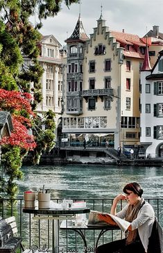 Coffee break in Luzern, Switzerland // by Pedro Ferrer www.pedroferrer.com. Definitely my FAVORITE city so far!!!