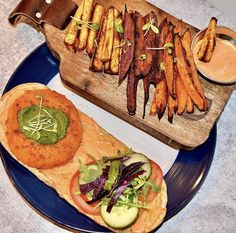 Here's a midweek meal to wake up your tastebuds. ⏰ 👅 @SnapshotsbySage Air-frys Sweet Potato wedges (three ways) and serves it with an Indian Spicy Masala Veggie Burger on our Masala Nan. 😊 Greek Dip, Nan, Food Inc, Sweet Potato Wedges, Midweek Meals, Pita Bread, Calorie Diet, Chili, Spicy