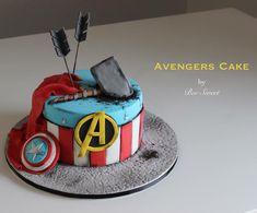 """22 Likes, 3 Comments - Bee (@bee_sweet_patisserie) on Instagram: """"Avengers est une immense source d inspiration ..! Je suis fan fan fan, grande fierté pour ce gâteau…"""""""