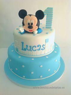 cake ideas with baby mickey Festa Mickey Baby, Mickey Mouse First Birthday, Mickey Mouse Baby Shower, Theme Mickey, Mickey Party, Minnie Cake, Mickey Cakes, Pastel Mickey, Boys 1st Birthday Cake
