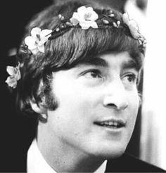 The Beatles featuring Paul McCartney George Harrison John Lennon and Ringo Starr Beatles Love, John Lennon Beatles, Ringo Starr, George Harrison, Def Leppard, Paul Mccartney, Radiohead, Great Bands, Cool Bands