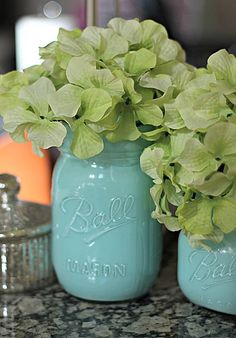 DIY Mason Jars Painted from the Inside