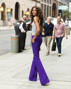 Zendaya Slays in purple pants - Love the color. Maybe work up to these Pants Outfits, Zendaya Outfits, Cute Outfits, Estilo Fashion, Look Fashion, Fashion Outfits, Fashion Trends, Fashion Pics, Zendaya Coleman