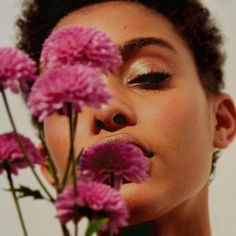Ideas Baby Photoshoot Flowers Beautiful For 2019 Instagram Selfies, Kreative Portraits, Alphonse Mucha, Black Is Beautiful, Portrait Photography, Natural Hair Styles, Artsy, Bloom, Inspiration