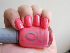Girls are all 'bout pink nailpaint...