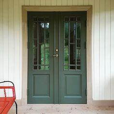 green doors @humlans.hantverk