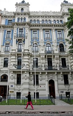 #Fotografia em vários# lugares. Apontamentos: #Riga; Viena de Áustria; Tunísia; Castelo Real de Varsóvia; Aeroporto Sá Carneiro; Pr. Infante D. Henrique – Porto