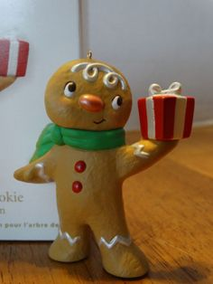 2012 Hallmark Ornament ONE SWEET COOKIE Gingerbread Boy Man SPECIAL EDITION Gift