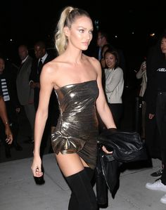 Candice Swanepoel at Mert and Marcus book launch Moss Fashion, Fashion Beauty, Fashion Show, Girl Fashion, Candice Swanepoel, Kj Apa Riverdale, Blond, Rock And Roll Fashion, African Models