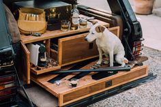 Cappuccinos, Cigars, And Shotguns: Building The Ultimate Gentleman's Range Rover - Cars - Offroad, 4x4, Range Rover Car, Jimny Suzuki, Range Rover Classic, Car Boot, Luxury Suv, Luxury Interior, Land Rover Discovery