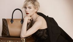 Michelle Williams: Louis Vuitton's Newest Face!: Photo Check out Michelle Williams as the face of Louis Vuitton's new autumn/winter campaign! The actress' ads will be featured in September issues… Michelle Williams, Louis Vuitton Online, Louis Vuitton Wallet, Louis Vuitton Handbags, Vuitton Bag, Peter Lindbergh, Penelope Cruz, Taschen Von Louis Vuitton, Sacs Louis Vuiton