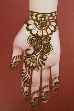 simple and easy mehndi designs for hands really it's beautiful mehndi design, i know many girls like to apply henna designs on hands. i think it's very helpful henna design video tutorial .
