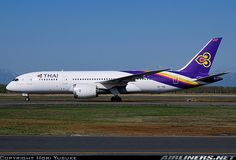 "Thai Airways International Boeing 787-8 Dreamliner HS-TQB ""Chaturaphak Phiman"" at Sapporo-New Chitose, May 2015. (Photo: Hori Yusuke)"