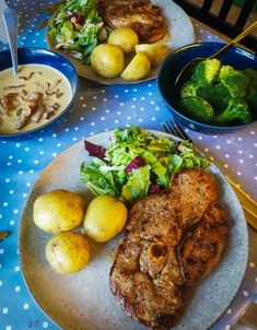 Lamb, mushroom sauce, broccoli, salad and potatoes Mushroom Sauce, Broccoli Salad, Lamb, Stuffed Mushrooms, Potatoes, Gluten Free, Training, Meat, Chicken