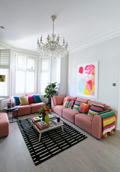 Bold living room furnishing ideas with arcade by A by Amara for all seasons - Living Room Themes White Living Room, Living Room Colors, Black Living Room, Bold Living Room, Living Room Paint, Rugs In Living Room, Living Room Furnishings, Room Decor, Apartment Decor
