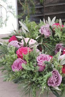 Chateau et Jardin Christmas Rose, Beautiful Flowers, Whimsical, Floral Wreath, Wreaths, Pretty, Plants, Garlands, Nature