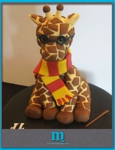 giraffe harry potter cake :) OMG two of my favorite things!!!