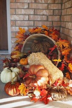 Want to have the prettiest front porch on the block this fall? Check out these DIY fall porch decorating ideas that are both easy and cheap to make! Autumn Decorating, Porch Decorating, Decorating Ideas, Decoration Vitrine, Harvest Decorations, Pumpkin Decorations, Fall Church Decorations, Thanksgiving Decorations Outdoor, Outdoor Decorations