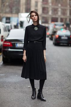 I would feel classy and perhaps a bit 'nun-ish' in this but I like it. And I really enjoy the shoes!!!