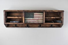 Rustic Coat Rack with Hidden Gun and EDC compartment Diy Wooden Projects, Barn Wood Projects, Woodworking Projects Diy, Wooden Diy, Pallet Projects, Gun Storage, Hidden Storage, Storage Ideas, Diy Gifts To Sell