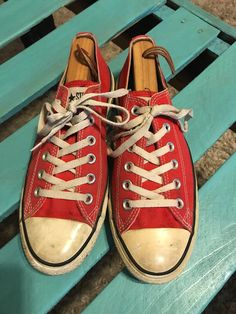 25ace59a576554 Unisex Red CONVERSE All-Star Canvas Shoes Sneakers Mens Size 7 Womens Size  9  8.5