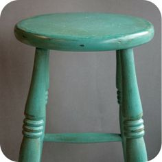 """Wooden bar stool painted with Annie Sloan Chalk paint, in """"Florence"""", then """"Provence"""", distressed waxed. Painted Bar Stools, Diy Bar Stools, Wooden Bar Stools, Painted Chairs, Chalk Paint Projects, Chalk Paint Furniture, Provence Chalk Paint, Annie Sloan Furniture, Chalk Paint Colors"""