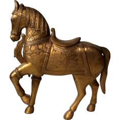 Large beautiful Indian wooden horse coated with engraved brass - small Wooden Horse, Antique Brass, Lion Sculpture, Horses, Indian, Statue, Antiques, Coat, Beautiful