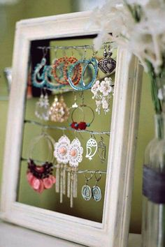Diy Organization For Teens Bedrooms Jewelry Holder 61 Ideas - DIY Jewelry Boho Ideen Diy Projects For Teens, Diy For Teens, Fun Projects, Jewellery Storage, Jewellery Display, Earring Display, Necklace Display, Earring Storage, Diy Jewelry Holder Frame