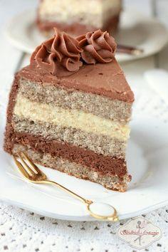 A praline cake Polish Desserts, Polish Recipes, Sweet Recipes, Cake Recipes, Praline Cake, Torte Cake, Gingerbread Cake, Piece Of Cakes, Savoury Cake