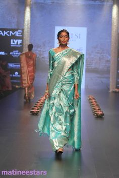 Models Walks For Santosh Parekh At Lakme Fashion Week Winter Festive 2016 - Hot Models Photo Gallery - High Resolution Pictures 24