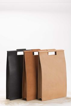 Roarcraft Selection: black leather bag backpack Womens bag elegant bag by YaelHe ., Roarcraft Selection: black leather bag backpack womens bag elegant bag by YaelHerman. Black Handbags, Leather Handbags, Modern Backpack, Black Backpack, Leather Backpack, Crea Cuir, Burlap Tote, Burlap Fabric, Minimalist Bag