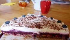 Himmlische fruchtige Low-Carb-Torte Low Carb Torte, Tiramisu, Ethnic Recipes, Law, Food, Almonds, Cacao Powder, Cherry Delight Dessert, Essen