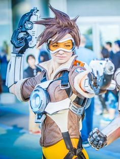 Tracer cosplay fromOverwatch  SOURCE  tracer overwatch video games video game…