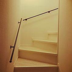 階段 アイアン 手すりはカーテンレールのまとめページ | RoomClip ... リフォーム中/アイアン/フロアタイル/階段手すり/ノンスリップ/ロイヤルウッド/