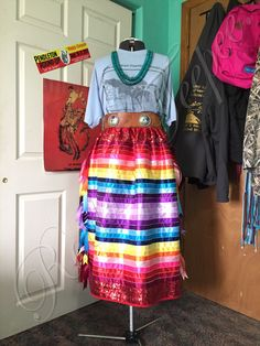Native American Clothing, Native American Crafts, Native American Beading, Ribbon Skirts, Bead Sewing, Pow Wow, Ribbon Work, Beadwork, High Waisted Skirt