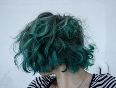 Looking for latest hair color ideas for your short hair? In this post you will find best images of 35 New Hair Color for Short Hair that you will in love! Short Curly Hair, Curly Hair Styles, Short Green Hair, Green Hair Men, Curly Bob, Dark Green Hair, Short Wavy, Teal Green, Wavy Hair