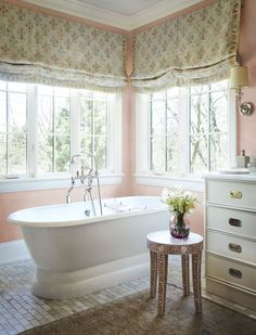 The January / February edition of the Traditional House is quite pink in color from designer Charlotte Moss. SearchMarage You're hereDesign OsmosisCharlotte Moss and Jennifer Marsico may not come from the same blood line,. Bathroom Spa, Bathroom Interior, Hotel Bathrooms, Bathroom Goals, Luxury Bathrooms, Bathroom Ideas, Installing Under Cabinet Lighting, White Master Bathroom, Master Baths