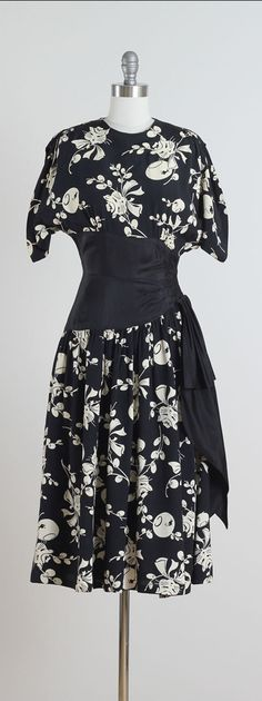 1940s Black and White Rayon Cat & Fishbowl Print Dress with Sash Waist