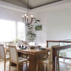 Divine dining room. Simplicity in white.