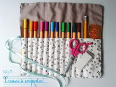 {DIY} La trousse à crayons Coin Couture, Baby Couture, Couture Sewing, Sewing Tutorials, Sewing Projects, Diy Crayons, Sewing Online, House Gifts, Creation Couture