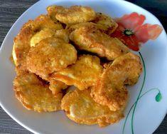 Pyszne kotleciki Szu Szu Soczyste i kruche kotleciki drobiowe to świetny pomysł na obiad, który zasmakuje wszystkim, a szczególnie dzieciom. Te pyszne kąski z kurczaka przypominają trochę nuggetsy, ale są bardziej miękkie i w smaku posiadają lekką czosnkową nutkę. Składniki: 2 filety z kurczaka 3 żółtka 3 łyżki oleju 4 łyżki mąki ziemniaczanej … Snack Recipes, Cooking Recipes, Snacks, Kfc, Chicken Wings, Cauliflower, Shrimp, Good Food, Food And Drink