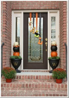"Front Porch & Door Decor - Fall Letter ""Wreath"" and Pumpkin Topiaries"