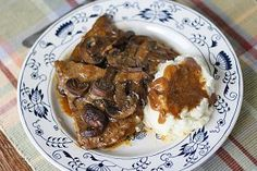 Oven-Braised Swiss Steak | RecipeLion.com