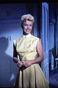 Doris Day 50s yellow day dress full skirt sleeveless color photo print ad movie star vintage fashion style