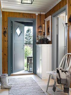 Colors for the cabin. Jotun Lady. 6232 Sjøalge. Door: S4005-B80G