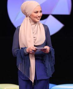 Hijab Tutorial, Muslim Women, Mobile Wallpaper, Shawl, Actresses, Celebrities, Hot, Girls, How To Wear