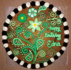 Flower Cookie Cake Sheet Cake Designs, Cookie Cake Designs, Cookie Cake Decorations, Cake Decorating Piping, Cookie Decorating, Decorating Cakes, Cookie Ideas, Decorating Ideas, Giant Cookie Cake
